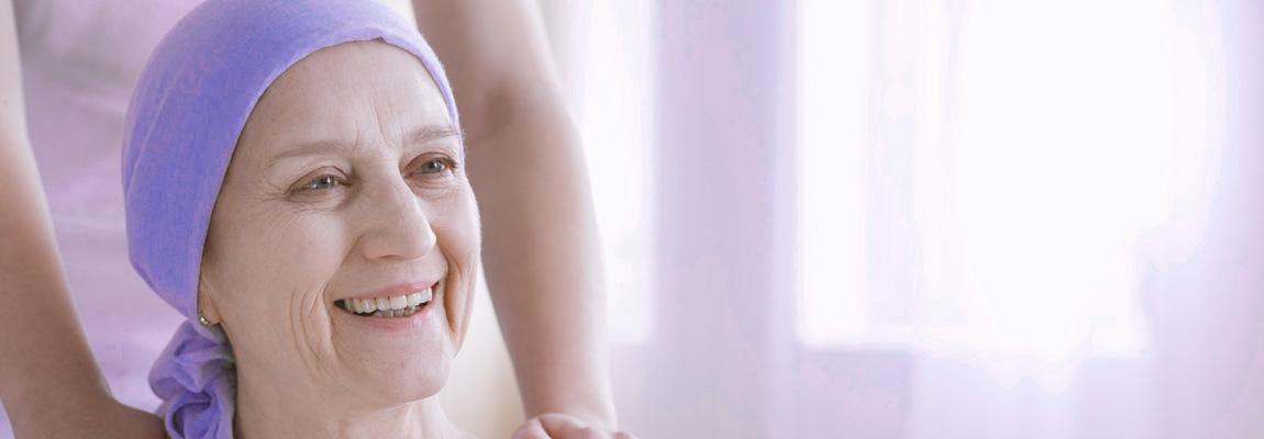 femme cancer, chimio, reiki, sourire
