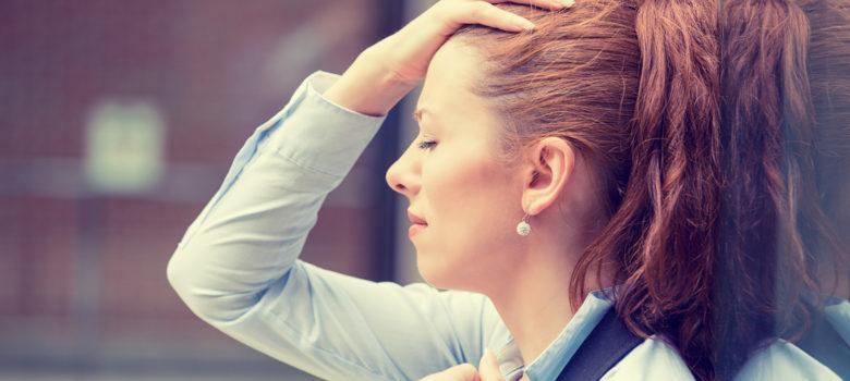 femme, dépression, se tenant latête